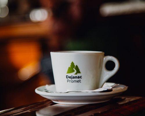 Dejanac-kafe-bar-slika